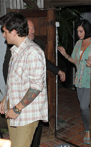 reg_634.KatyPerry.JohnMayer.jjc.090412