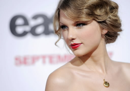 taylor-swift-2010-ap