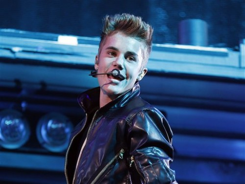 Hollywood: Justin Bieber hits pedestrian with his car