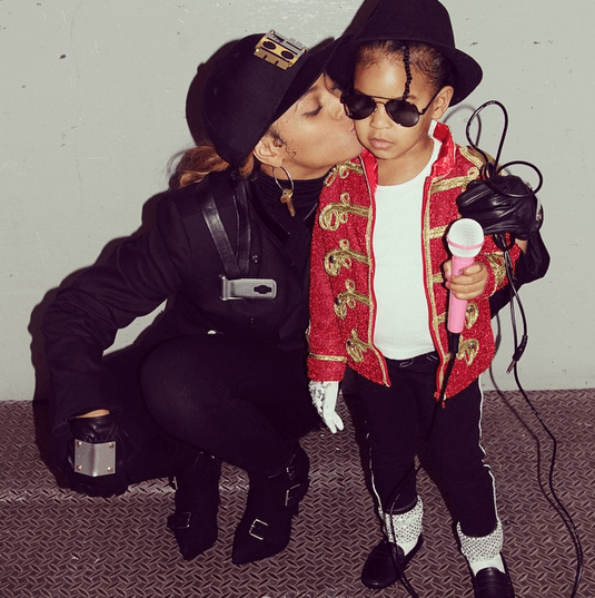Beyoncé also dressed as JANET JACKSON, and made her daughter Blue Ivy up as MICHAEL.