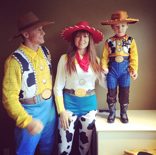 "JEWEL, her estranged husband TY MURRAY, and their son Kase did the ""Toy Story"" thing."