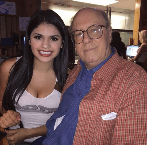 A Hooters Waitress Gave One of Her Customers a Kidney